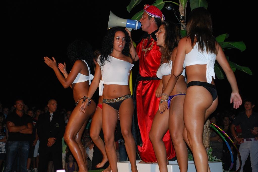 http://www.abcsicilia.com/files/Miss-Maglietta-Bagnata-028.jpg